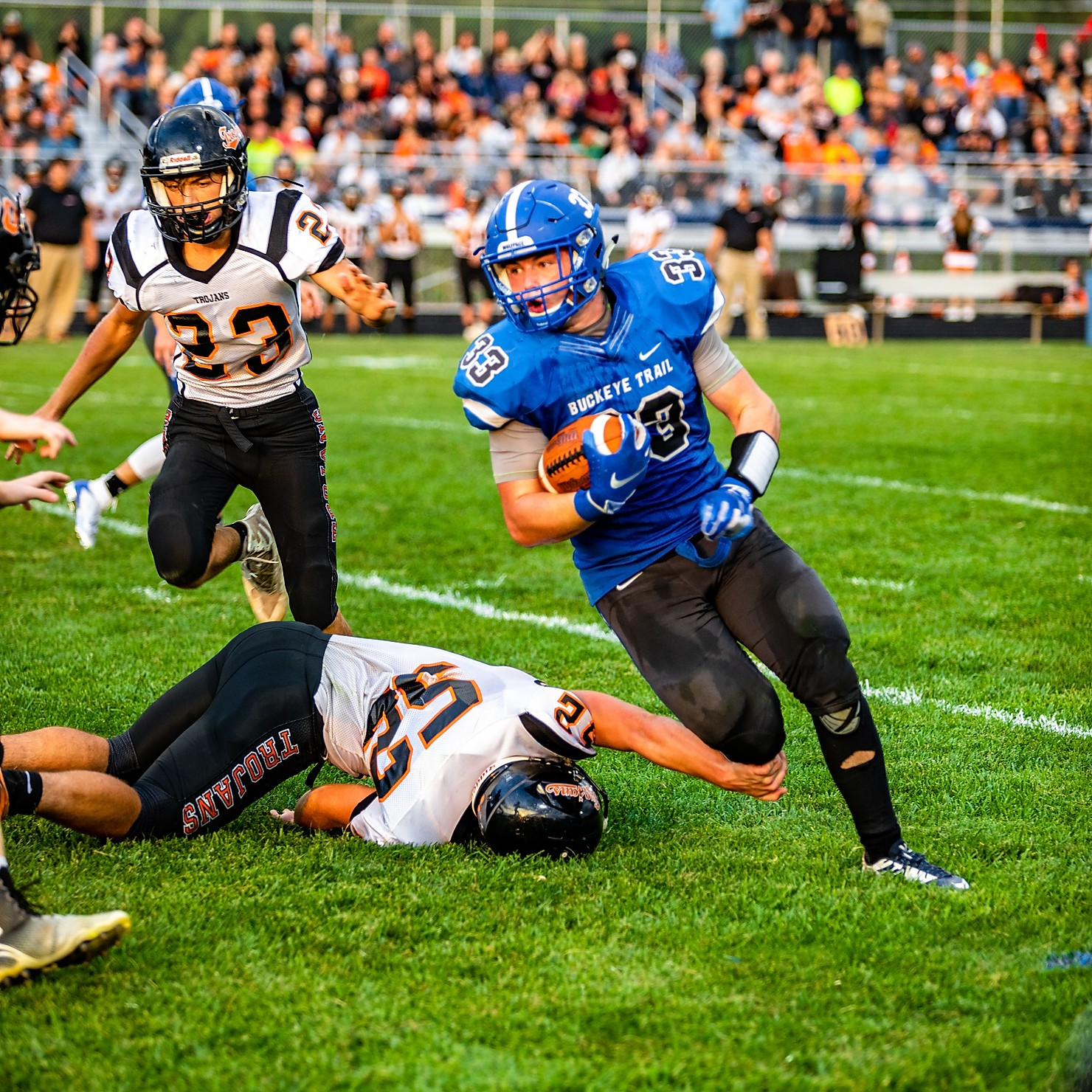 "Warriors Topple Trojans 20-7 – Kerns ""I was really impressed with our offensive line"""
